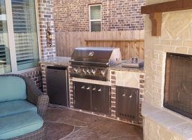 Personal-Touch-Landscape-Outdoor-Kitchen-l-3