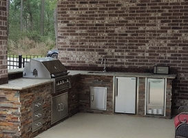 Personal-Touch-Landscape-Outdoor-Kitchen-p-1