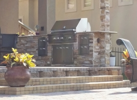 Personal-Touch-Landscape-Outdoor-Kitchen-r-3