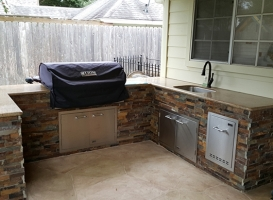 Personal-Touch-Landscape-Outdoor-Kitchen-s-2