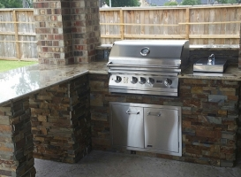 Personal-Touch-Landscape-Outdoor-Kitchen-u-4